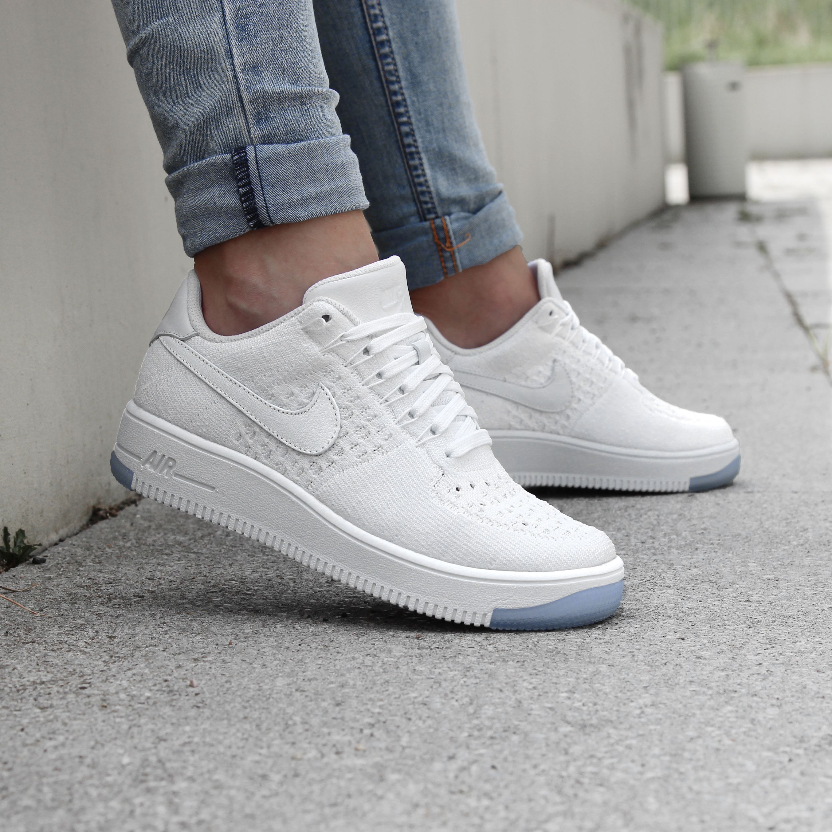 buty nike wmns air force 1 07 seasonal enemal lemon