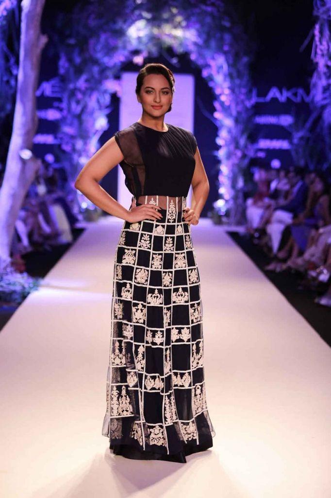 Manish Malhotra Summer/Resort 2014 #LakmeFW