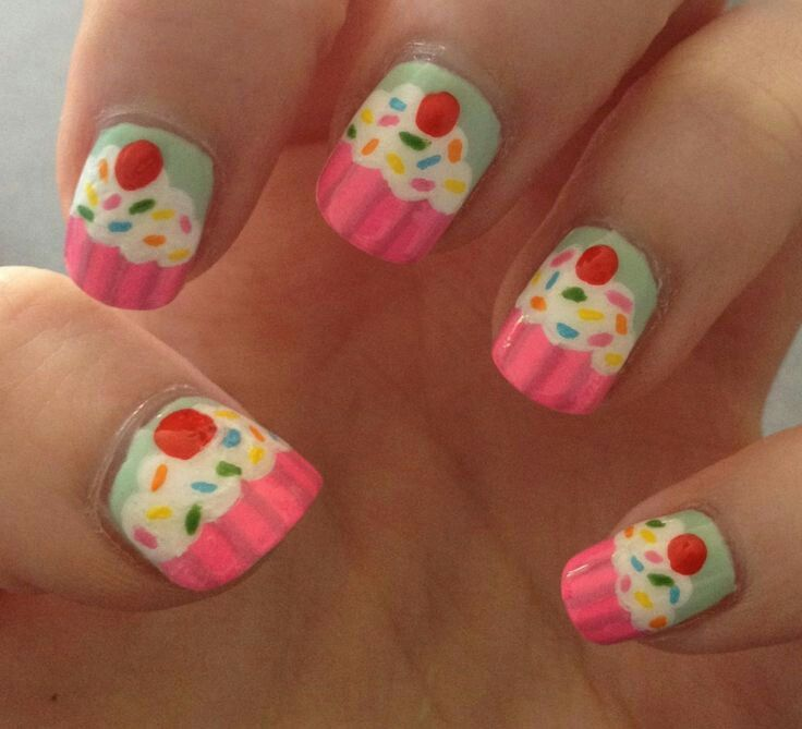 Pretty cupcake nails