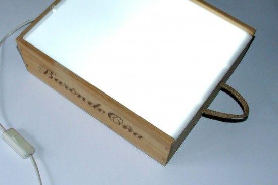 Caja De Luz Con Caja De Vino Caja De Luz Cajas De Vino Mesas De Luz