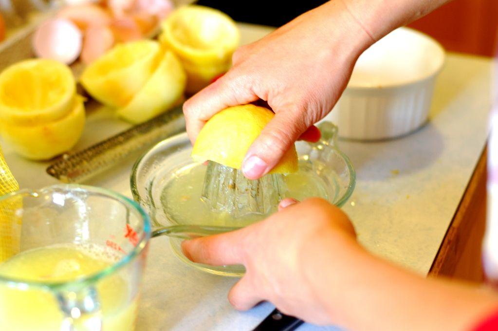 Honey Sweetened Lemon Curd. | The Elliott Homestead