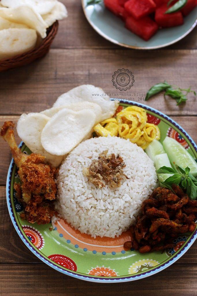 18 Resep Nasi Uduk Ala Restoran yang Enak, Gurih, dan Simple