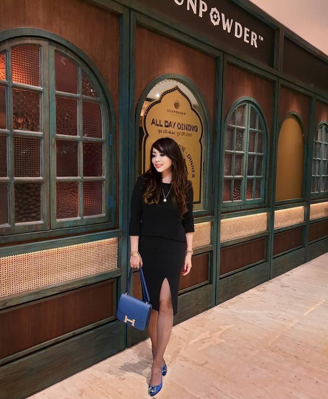 "Vee on Instagram: ""#luxury #highheels  #followme #photooftheday #legs #closeup #instafashion #instaheels #fashionshoes  #instashoes #highheelshoes  #walking…"""