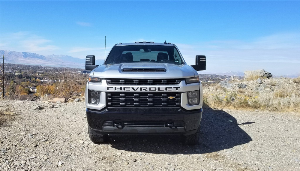 2020 Chevrolet Silverado Hd 2500 6 6l Gas V8 Off Road Review Video By Matt Barnes 2 Chevrolet Silverado Silverado Hd Chevy Trucks Older