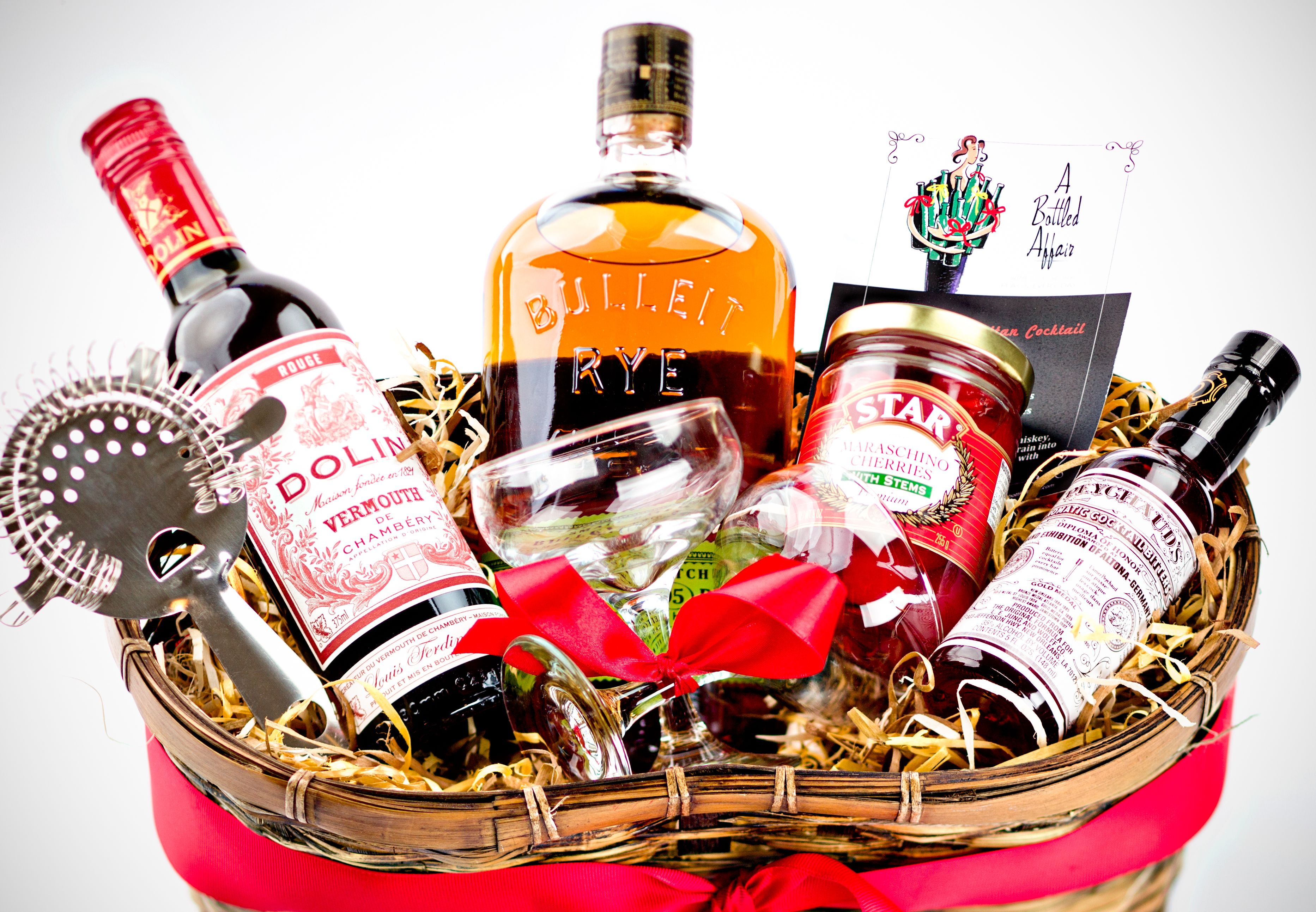 Pin By Natacha Fortin On Gifts Cocktail Gift Basket Cocktail Gifts Cocktail Lover