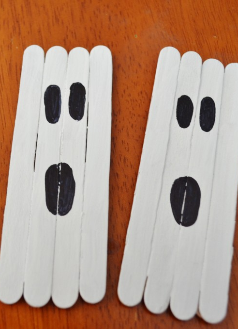 Popsicle Stick Ghost Craft - easy for preschool and classrooms