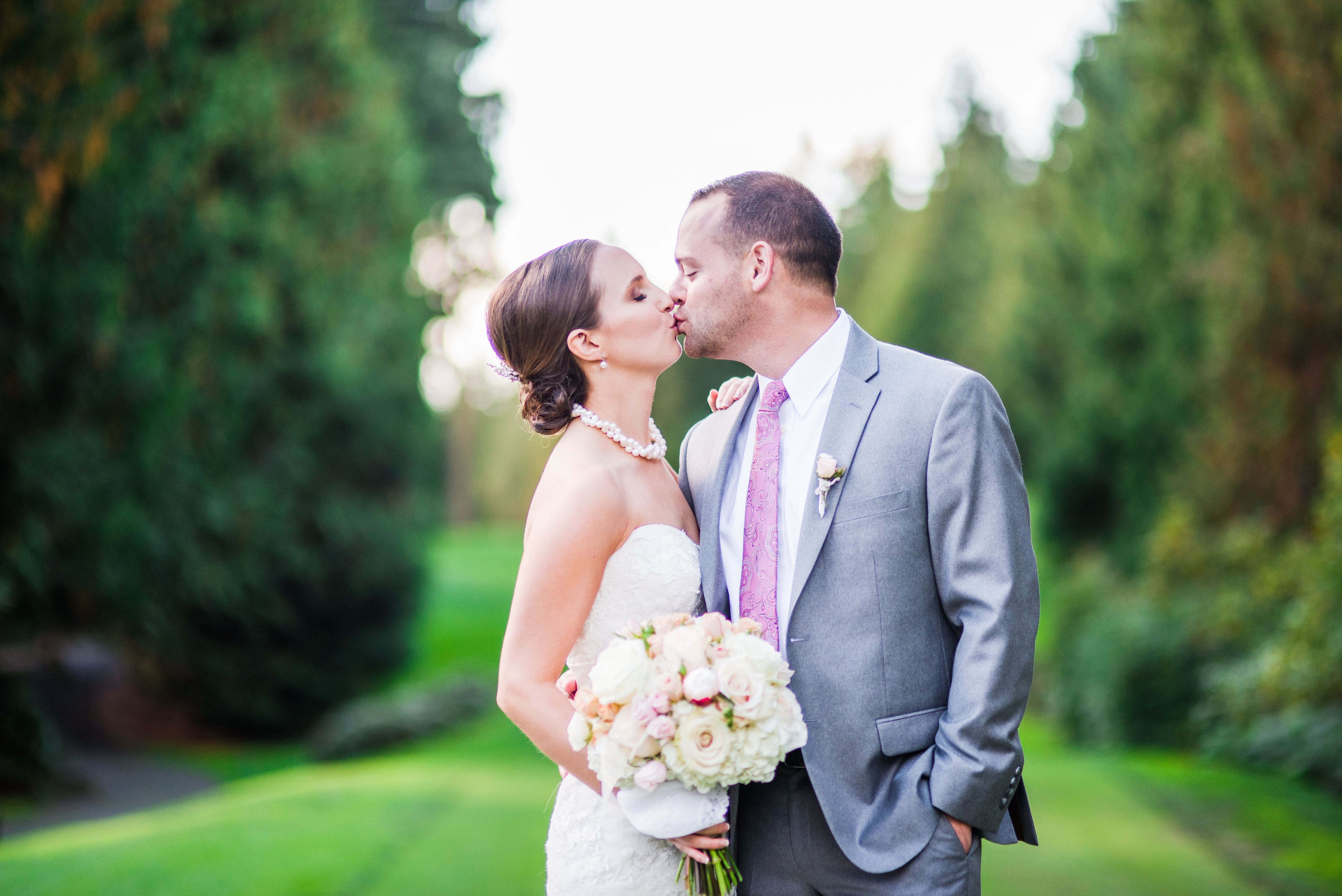 Kisses #kiss #bride #groom #flowers #floral #washingtongreen ...