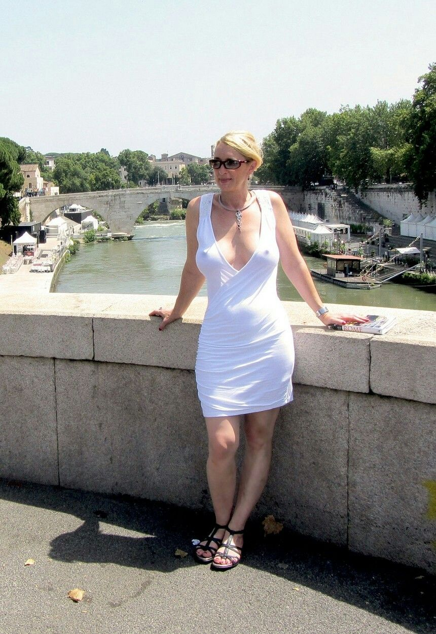 Rosalind Allen Nude Photos