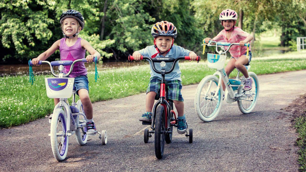 Výsledok vyhľadávania obrázkov pre dopyt children on bikes