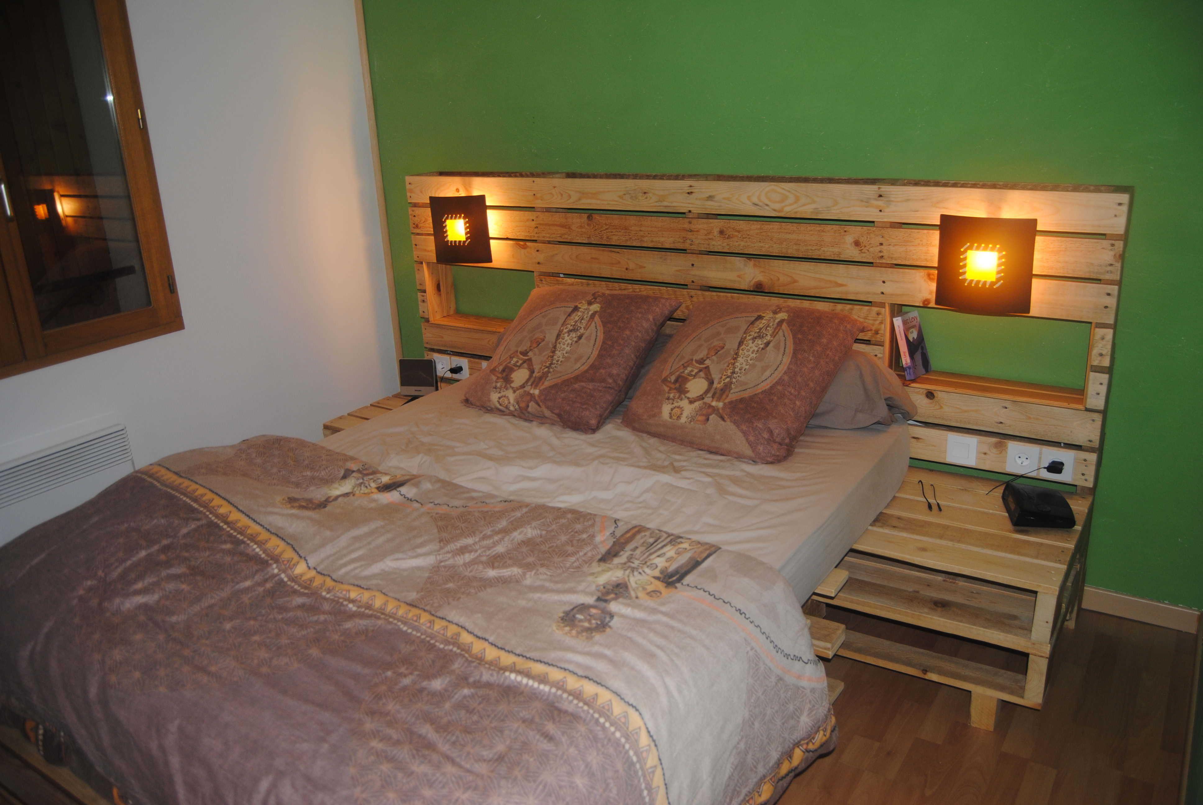 kopfteil f r bett aus europaletten selber bauen diy anleitung diy m bel selber machen. Black Bedroom Furniture Sets. Home Design Ideas