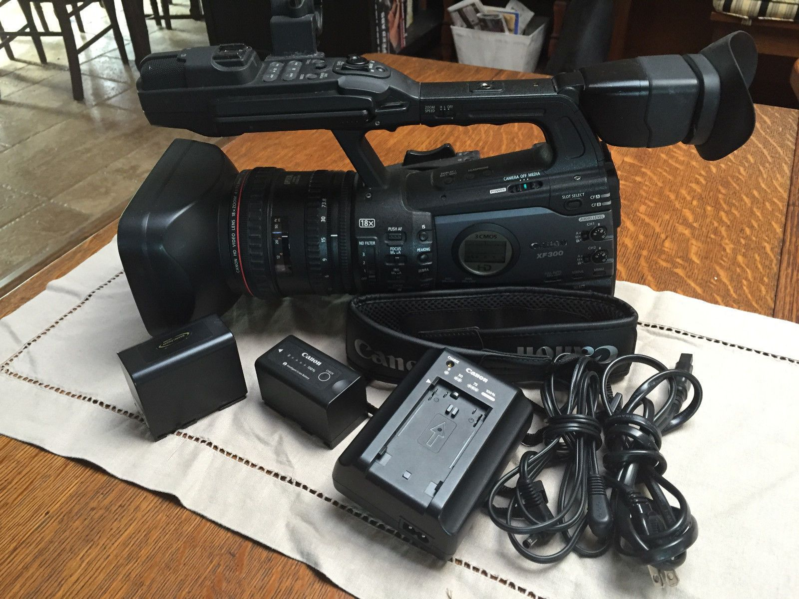 Canon XF300 Camcorder Home appliances, Vacuums, Camcorder