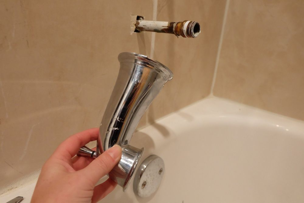 How To Remove A Stuck Tub Filler Tub How To Remove Plumbing