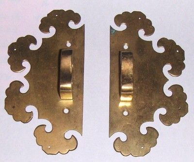 2 ANTIQUE ORNATE BRASS ORIENTAL PULLS KNOBS HANDLE FURNITURE CABINET ASIAN  GOLD