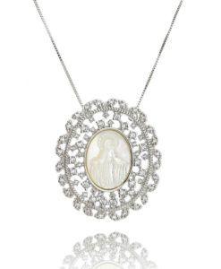colar nossa senhora com zirconias cristais e madreperola semi joais religiosas da moda