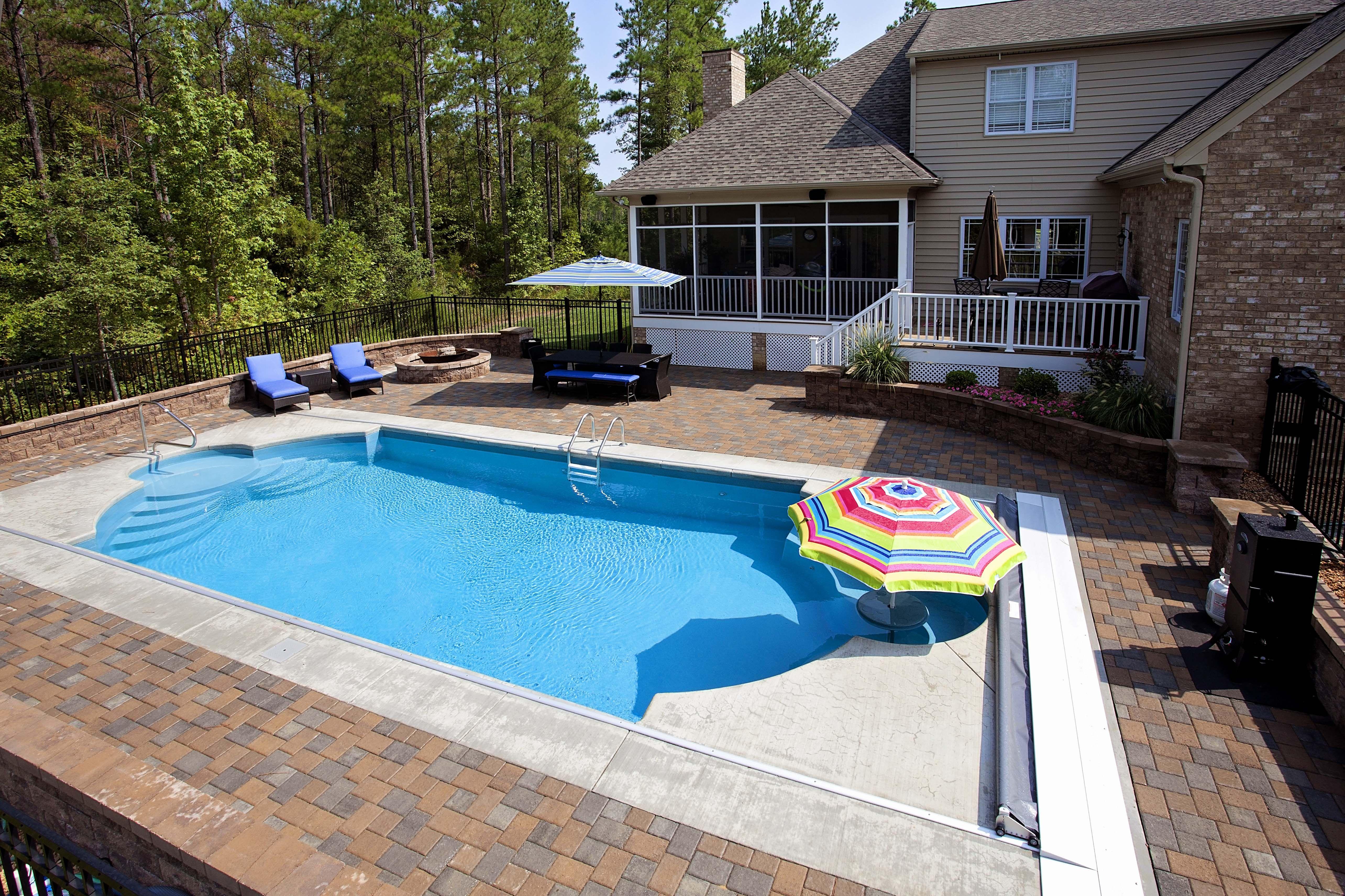 Chattanooga Fiberglass Pools CLASSIC REMBRANDT