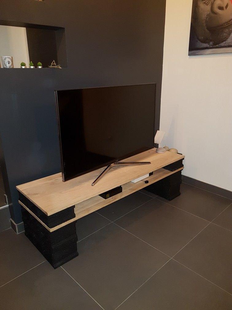 meuble tv en parpaing meuble tv en parpaing pinterest. Black Bedroom Furniture Sets. Home Design Ideas