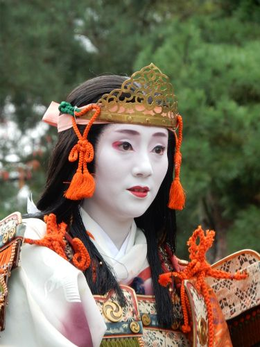 Jidai Matsuri 2015: geiko Ichisayo of Pontocho as famous Tomoe Gozen by Konatu0015 - blog  Jidai Matsuri, or Festival of the Ages, is a big historical parade in Kyoto. Maiko, geiko and Kyoto citizens dress up as important figures from Japan's past.