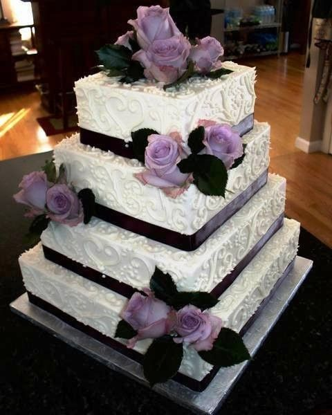 Purple Wedding Cake Ideas: Purple Roses And Black Ribbon