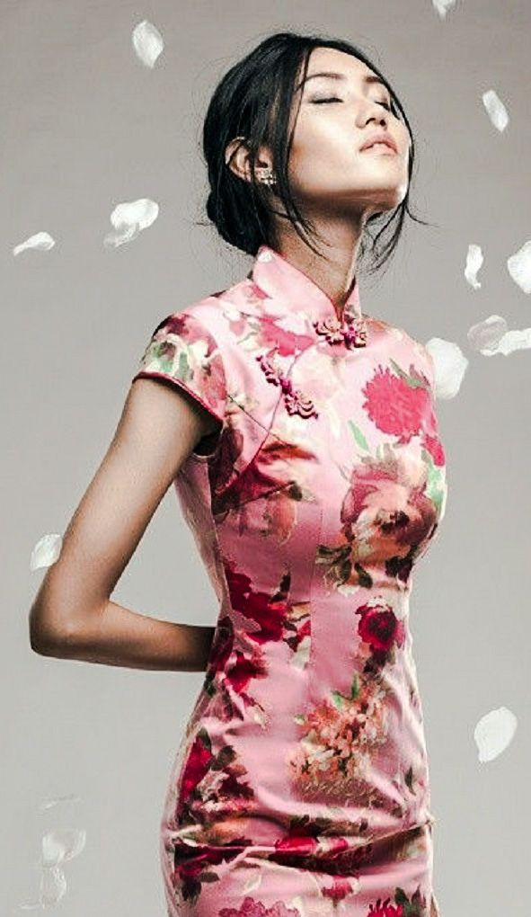 Pink floral qipao | moldes y sueños | Pinterest | Vestidos chinos ...