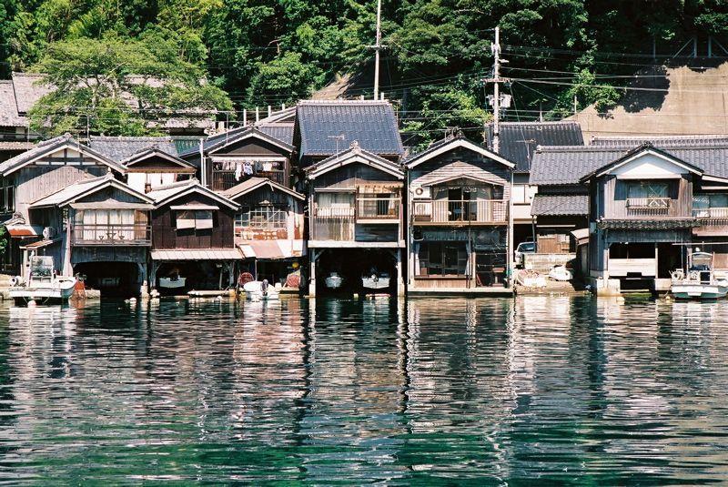 京都北部の海の町 伊根町の舟屋 伊根 景観 古民家