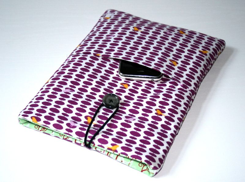 IPad case with seperate bag in front