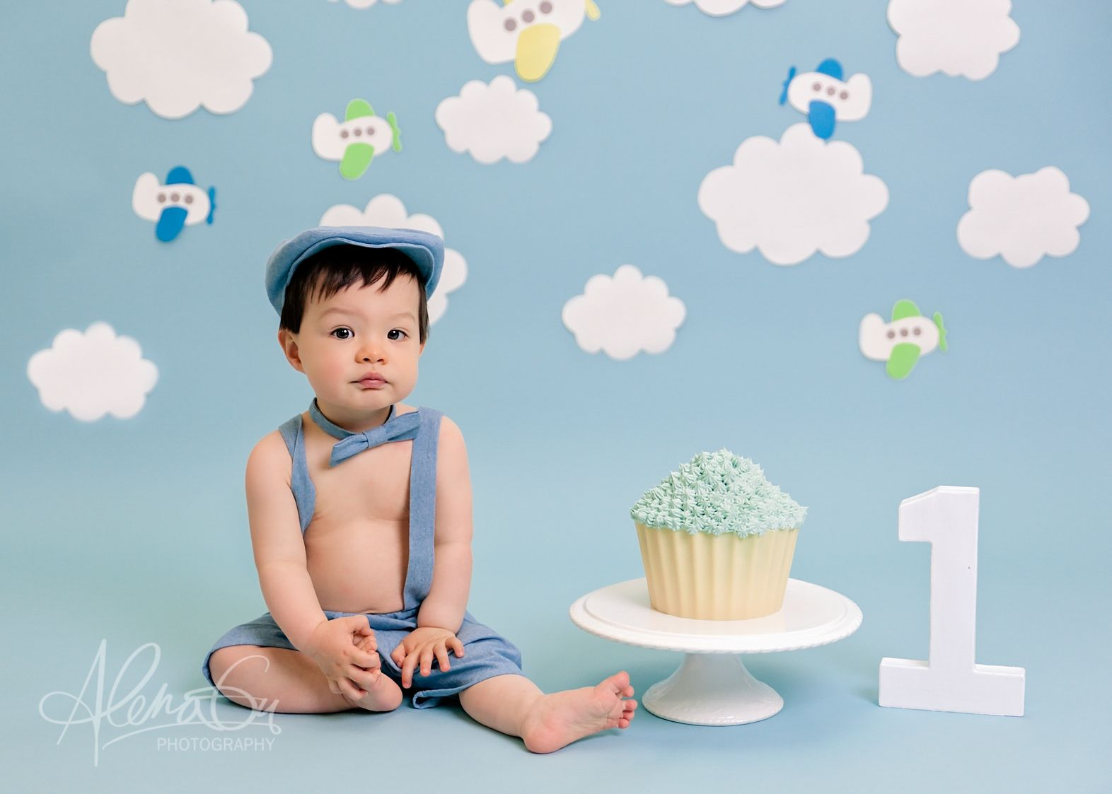 Cake Smash Baby Photography Sessions Aylesbury Buckinghamshire
