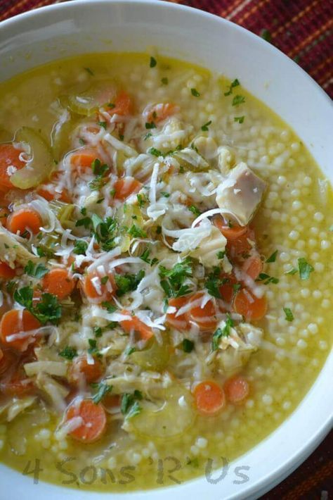 Italian Style Chicken Noodle Soup from 4 Son's 'R' Us is quick, easy, and so flavorful! It's the most delicious soup for any occasion!  via /bestblogrecipes/