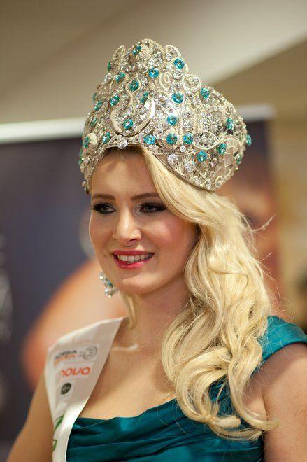 Handmade wire wrapped crown for miss Earth Slovenija 2014 - Patricia Peklar. Crown was made by Tanja Stokin - Zojani. https://www.facebook.com/Zojanijewelry?ref=hl