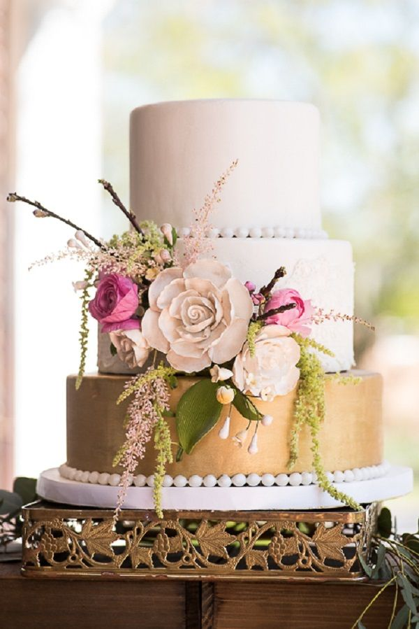 Gold and Pink Victorian Wedding Cake | DG Photography on @unitedwithlove via @aislesociety