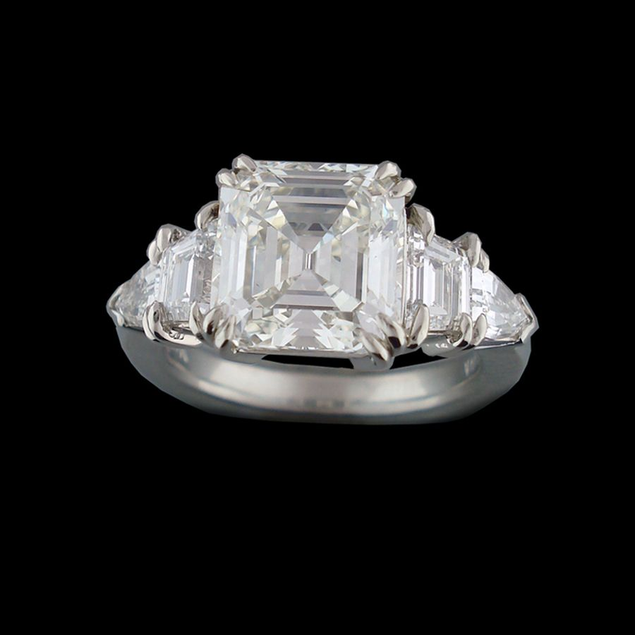 Asscher cut diamond engagement ring custom made by abracadabra
