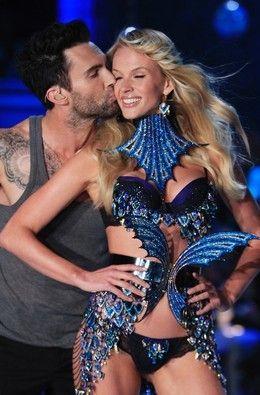 Adam Livine Kissing His Vs Angel Girlfriend 3 Victoria Secret