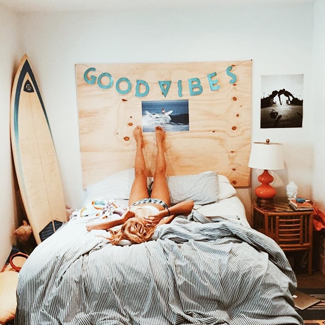Travel Themed Dorm Room Beach Bedroom Teen Room Surf Diy Headboard Dorm Room