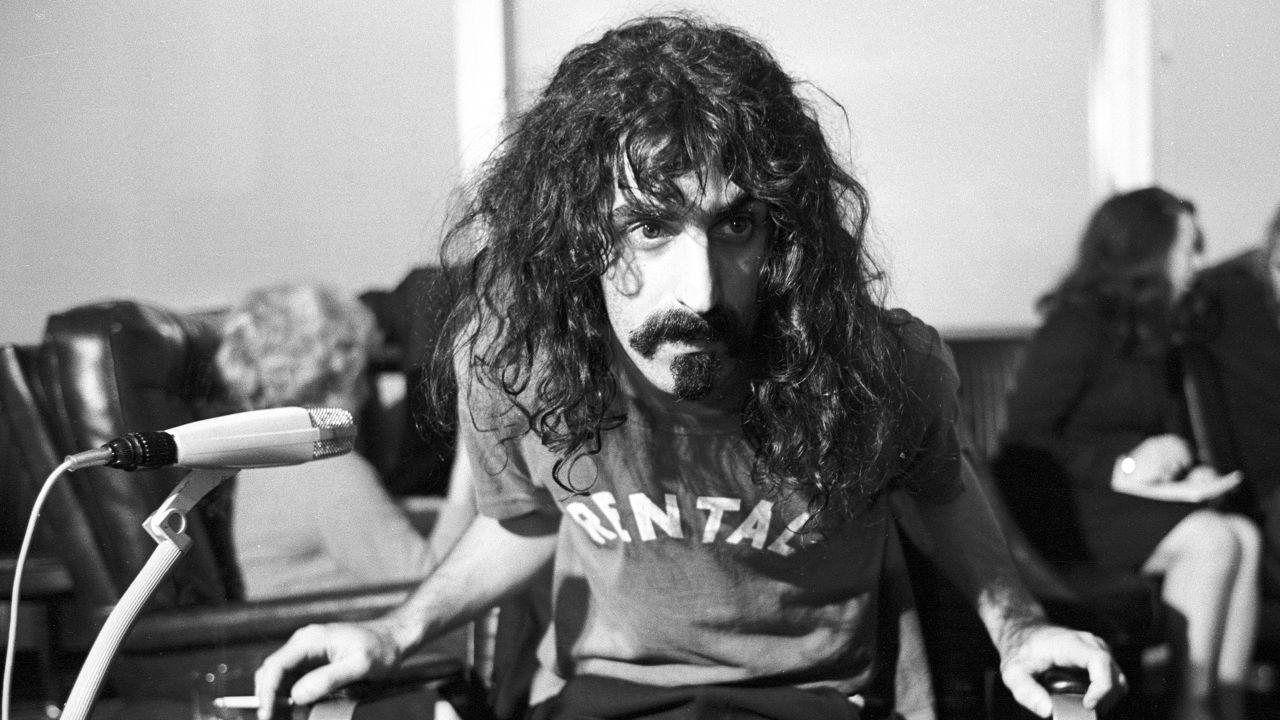Las 38 Frases mas geniales y retorcidas de Frank Zappa