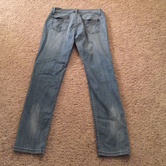 e20ae9bbfb Cest toi jeans Faded denim jeans with a lot of style. Pretty silver  stitching throughout
