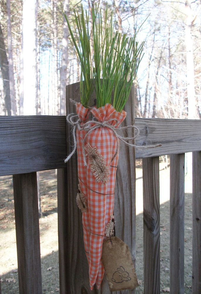 FoLk Art PrimiTive SpriNg EasTer GruNgy CARROTS OrNies Door OrnamenT Bunny TaG #MadetoLookOldGrungy #MelissaHarmon