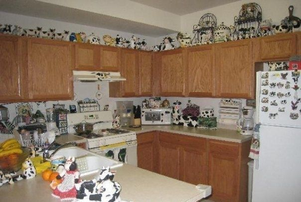 Superieur Cow Decor | Cow Collection Kitchen Clutter Home House For Sale Real Estate  Photo Cow Kitchen