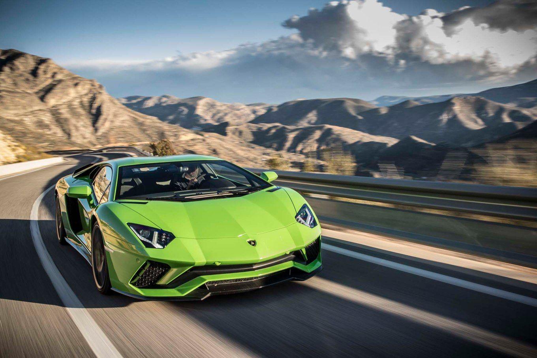 2018 Lamborghini Aventador S Front Three Quarter In Motion 26 Motor Trend Lamborghini Aventador Lamborghini Bmw Car