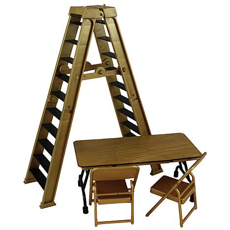 Wwe ultimate ladder table playset gold ringside for Wwe bathroom decor