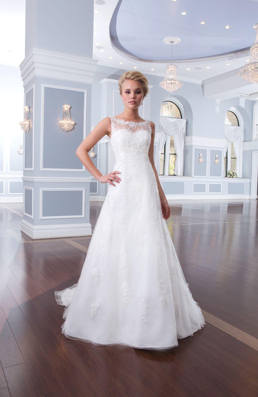 la dantella wedding dress