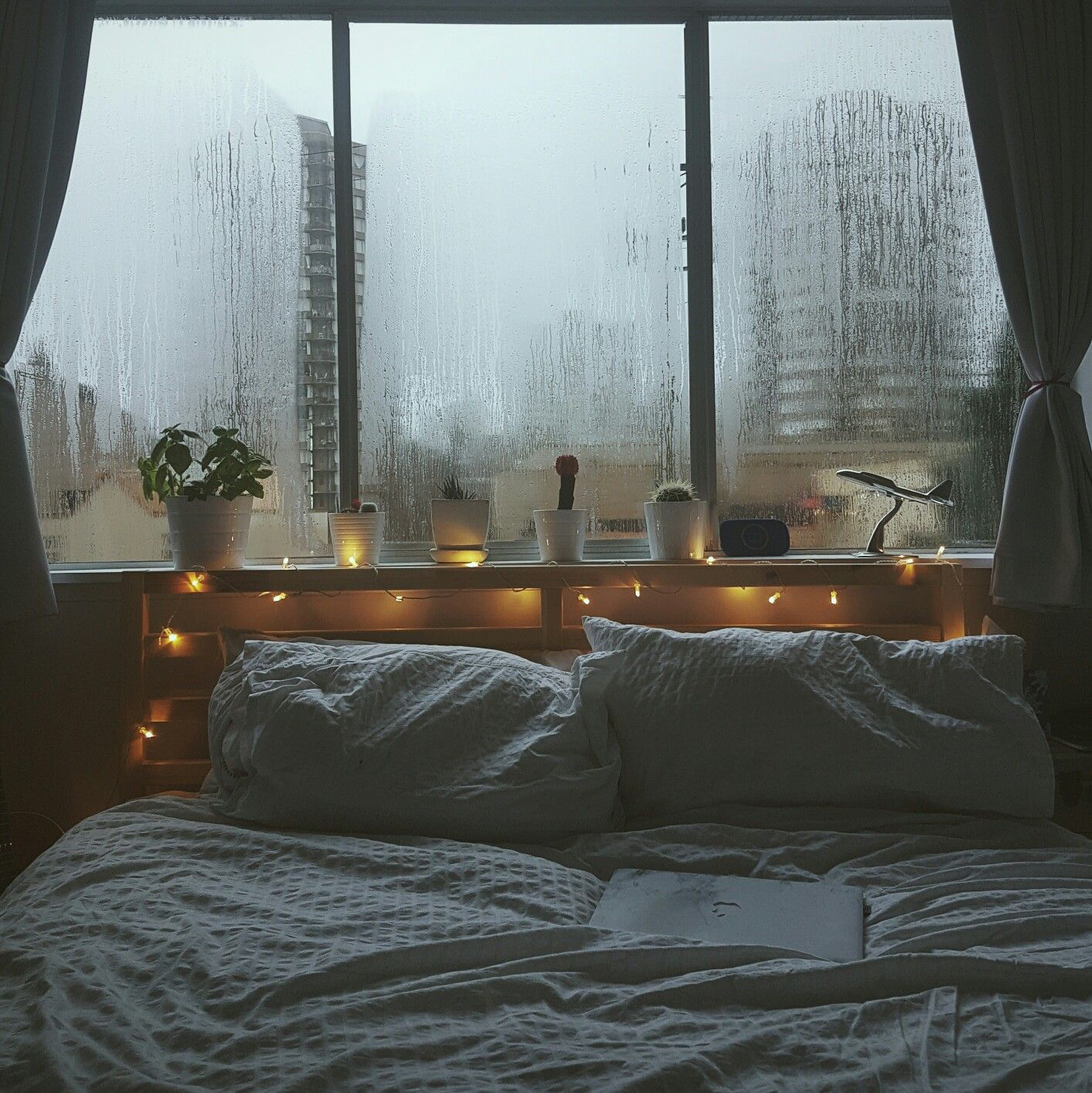 rainy days i would stay in that bed forever and ever. Black Bedroom Furniture Sets. Home Design Ideas