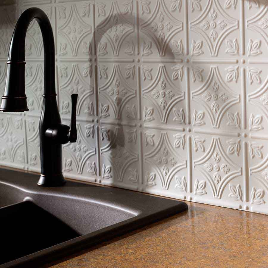 Bildresultat For Facade Pressed Tin Backsplash Canada Tin Backsplash Kitchen Faux Tin Tiles Tin Kitchen
