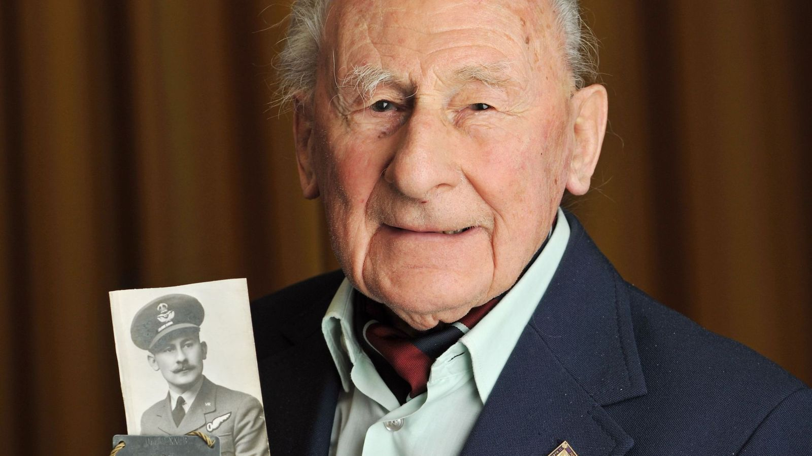 my-amigo.com/#Sky 'Remarkable' British airman involved in Great Escape dies aged 101 Sky News