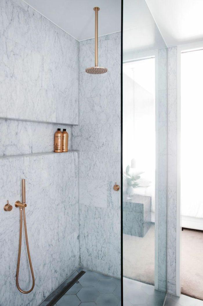 1001 ideas de duchas de obra para decorar el ba o con for Planchas para forrar banos