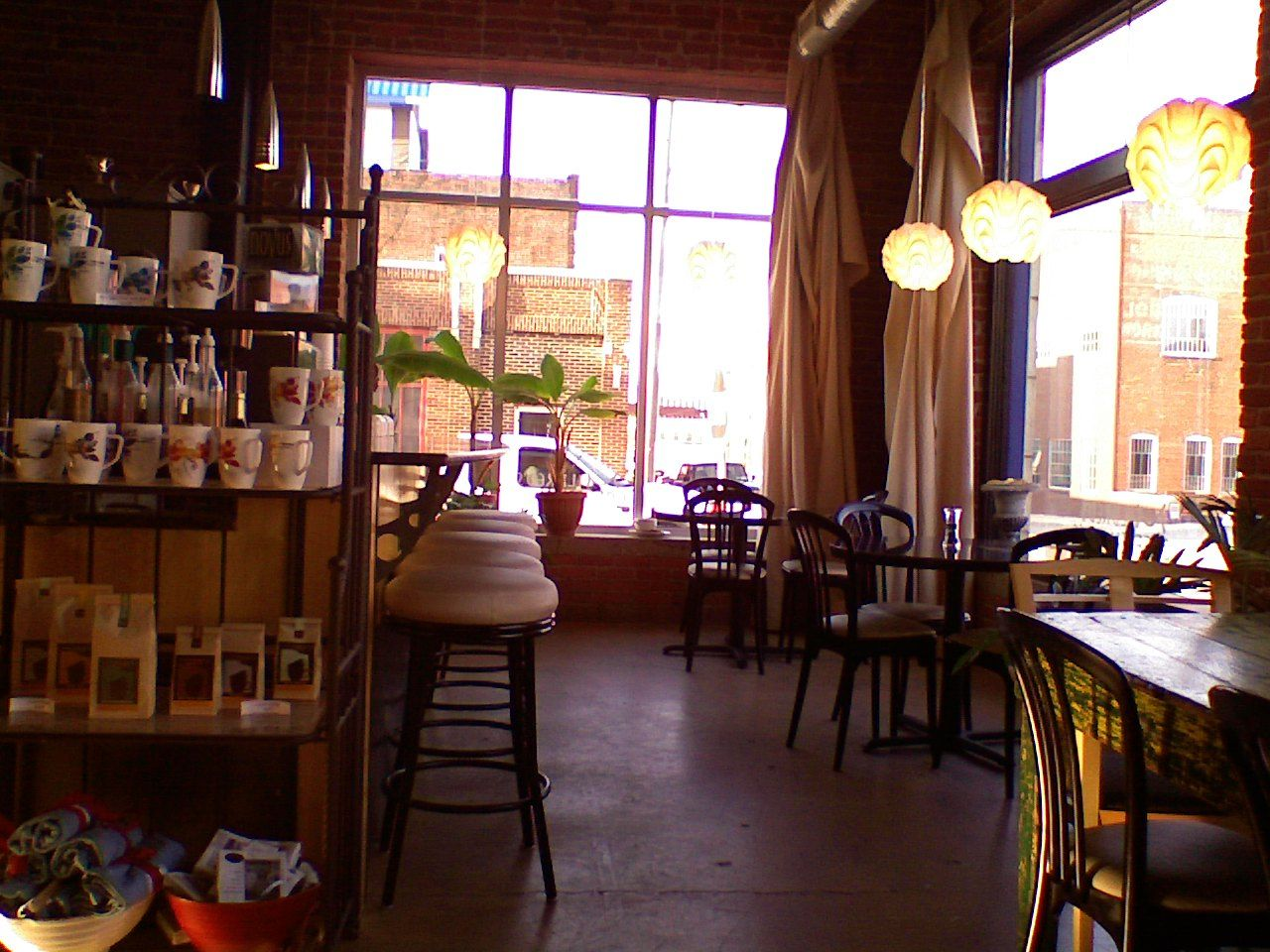 Pin By Eblaa On Ideas Coffee Shop Cozy Coffee Shop Coffee House