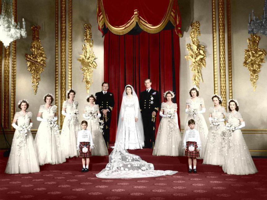 Qué Fue De Las Ocho Damas De Honor De La Reina Isabel Ii Boda De La Princesa Diana Reina Isabel Boda Real