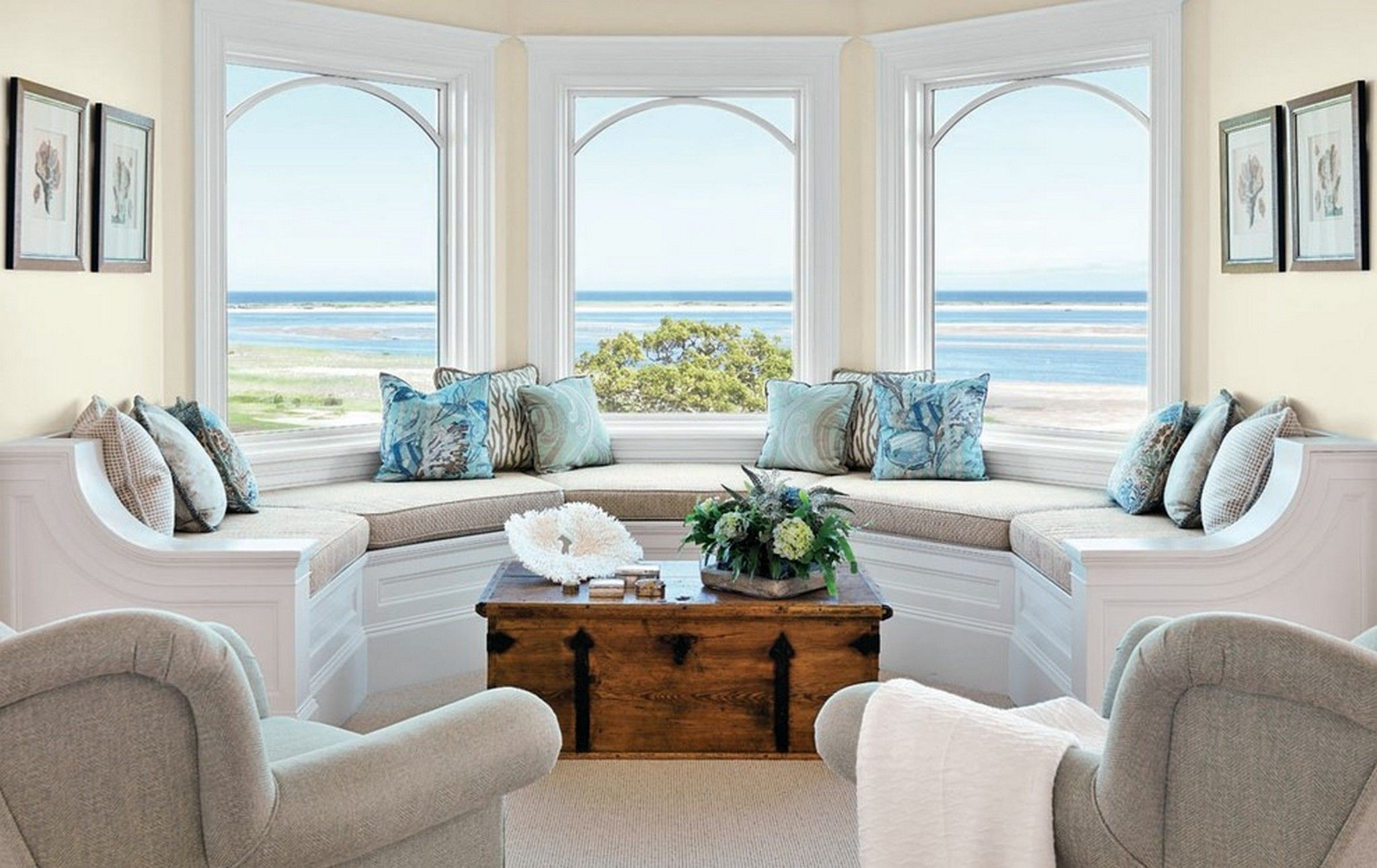 beach themed living room decorating living rooms and bay window designs on pinterest - Bay Window Design Ideas