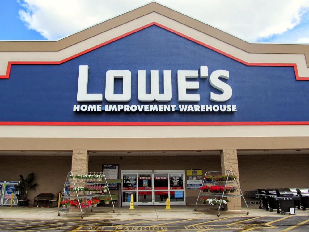 40 Popular Stores Partially Or Fully Shutting Down Locations In