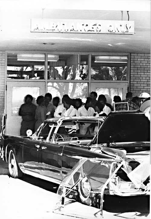 Before After 1963 Bi Level Remodeling In Boulder Colorado: Limo At The Ambulance Entrance At Parkland??