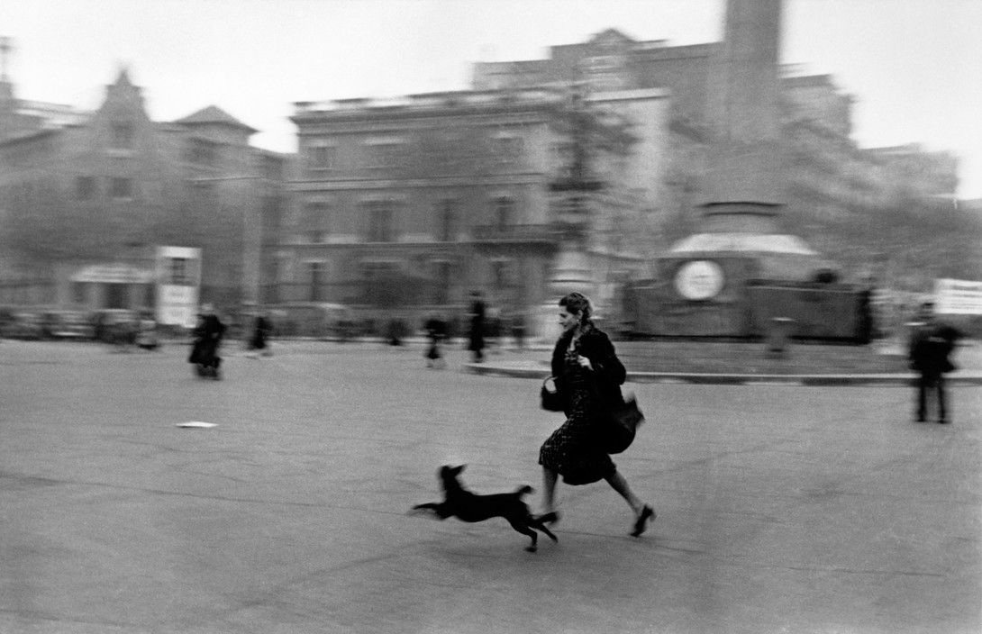 Barcelona Enero De1939 Guerra Civil Espanola Gente Corriendo Al