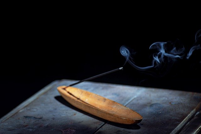How To Burn Incense Sticks Without A Holder Or Burner Reed S Handmade Incense Incense Incense Sticks Incense Burner